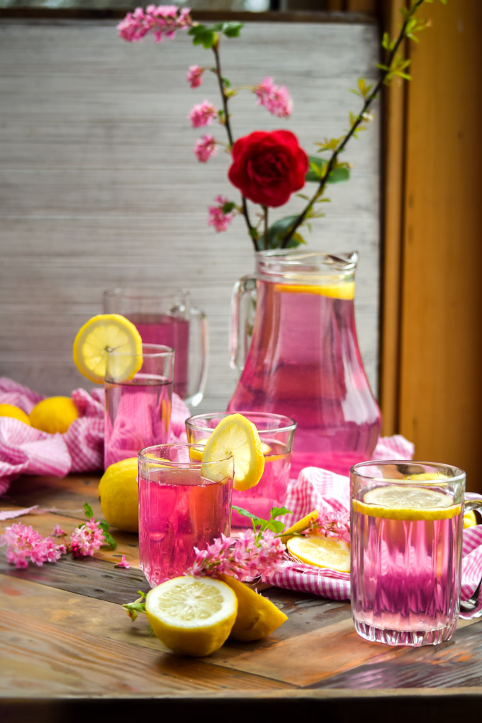 How to Make Naturally Pink Lemonade (2)