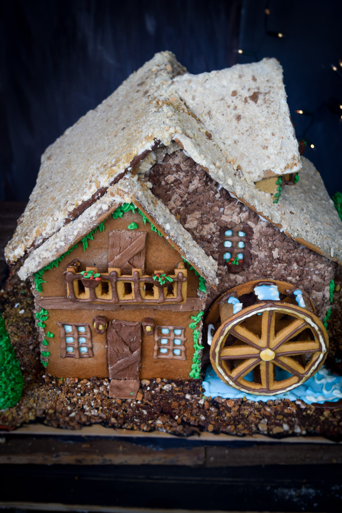 Gingerbread House 2015! Fairytale Forest Cottage (9)